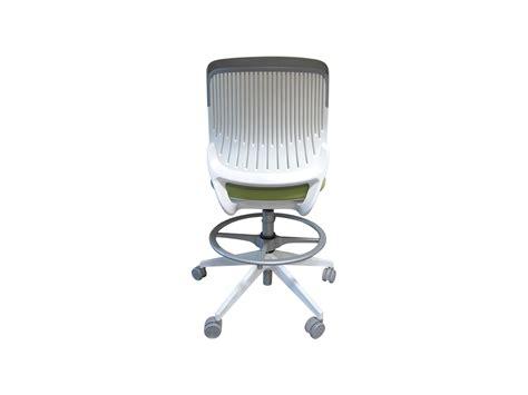 bureau de dessinateur siège dessinateur steelcase cobi adopte un bureau