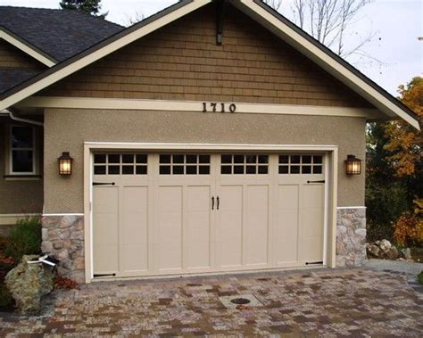 like this color for garage door but haas doesn t have to match window band board and accents