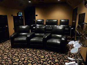 rkhobbit39s home theater gallery home theater 21 photos With home theater furniture placement