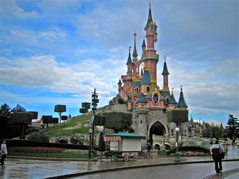 Top 10 Must Visit Places In France Omg Top Tens List