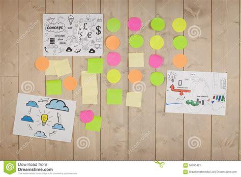 bureau d echange mur d 39 échange d 39 idées dans le bureau créatif photo stock