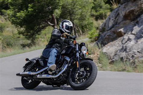 First ride: Harley-Davidson Sportster Fo    Visordown