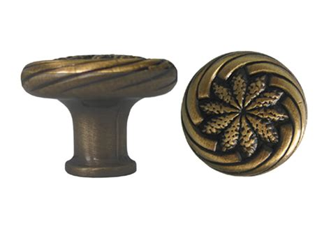 antique brass cabinet knob with a wheat design