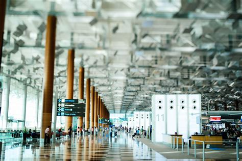 Top 10 Myths About Air Travel and Airports