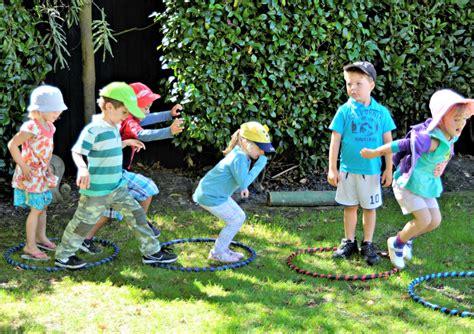 hula hoop activities for preschoolers hula hoop activities for in2hula hula hooping for 530