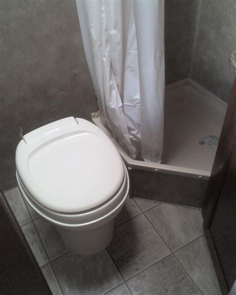 ultimate guide   rv shower rvsharecom