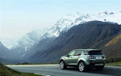 land rover discovery sport motion rear angle