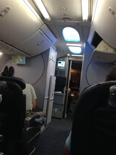 flight    aa   sky interior