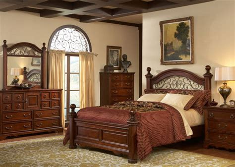 High End Traditional Bedroom Furniture 13 Picture