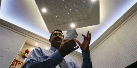 Il Habille Du Sol Au Plafond