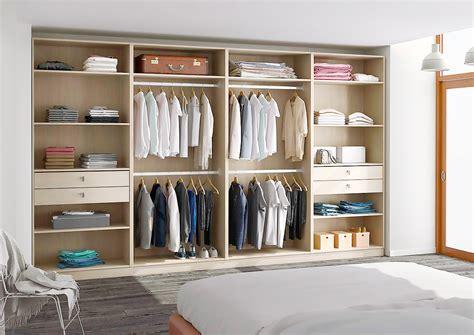 rangement placard chambre crer un placard dans une chambre ce lit avec rangement