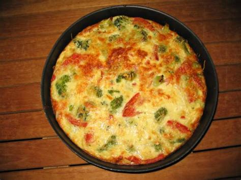 quiche sans p 226 te aux brocolis tomates lardons photo