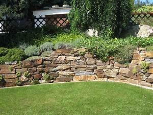 Terrasse Am Hang : pin von gabriel babka auf zahrada skalka ~ A.2002-acura-tl-radio.info Haus und Dekorationen