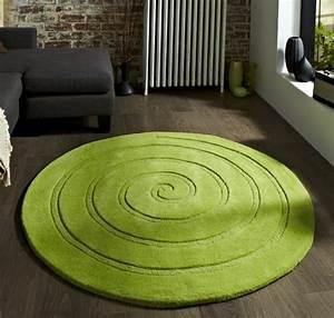 tapis vert dites oui a la pelouse dans le salon With tapis rond de salon