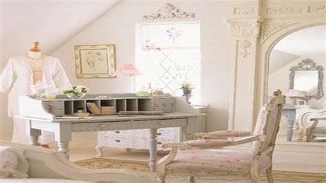 Country Style Beds, Victorian Antique Bedroom Furniture