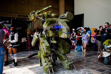 mind blowing metal gear rex cosplay