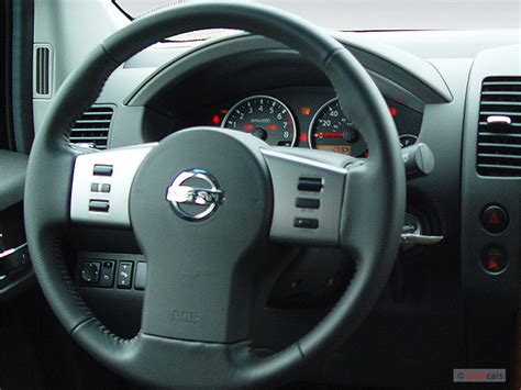 image  nissan pathfinder le wd steering wheel size