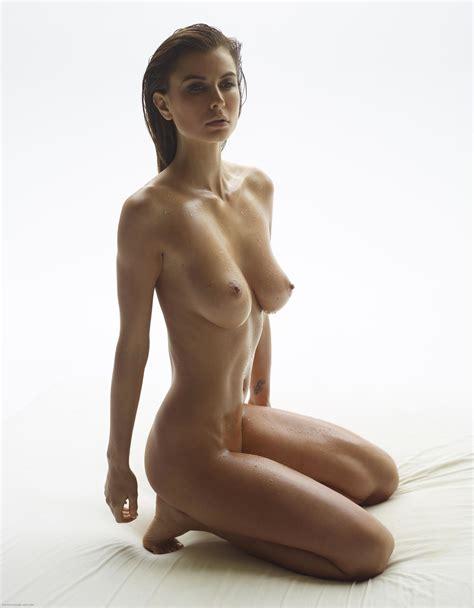 Marisa In Madonna By Hegreart Photos Erotic Beauties