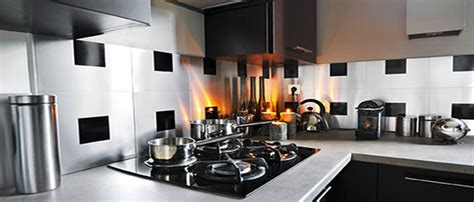 les cuisines en aluminium carrelage adhésif mural pour cuisine et salle de bain