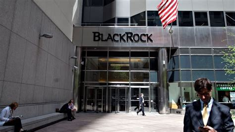 blackrocks  based active funds post record