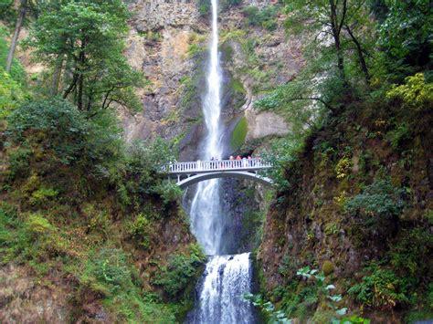 images waterfall people bridge body  water