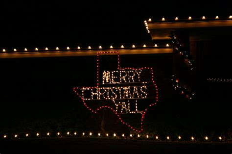 san angelo tx christmas lights on a front lawn in san