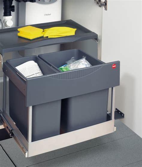 rangement poubelle cuisine poubelle dans meuble meuble de salon contemporain