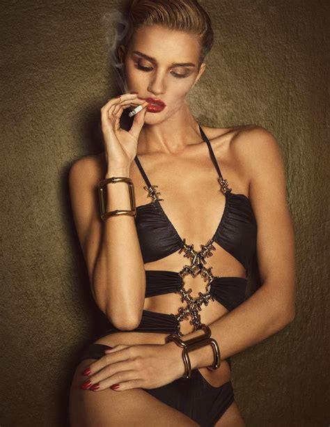 Ber Fashion Marketing Rosie Huntingtonwitheley Posa Nua