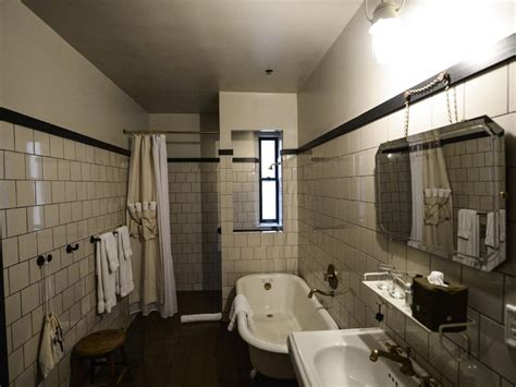 Small Bathroom Layouts With Shower by Small Bathroom Layouts Hgtv