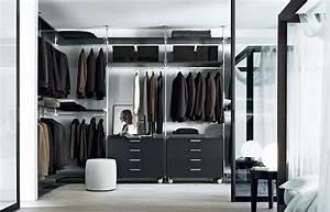 Begehbarer Kleiderschrank Design : 10 designs f r begehbaren kleiderschrank und ordnungssysteme ~ Frokenaadalensverden.com Haus und Dekorationen