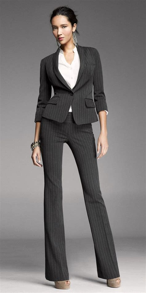 Carry the evergreen look by wearing womenu2019s suit u2013 fashionarrow.com