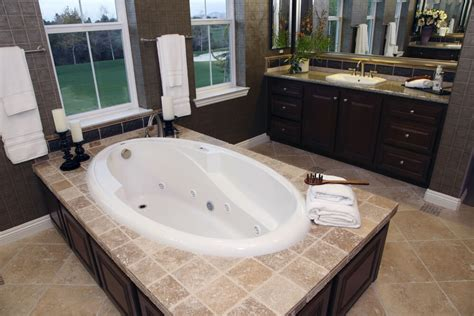 Large Drop In Tub by 24 Soaking Tub Ideas For Your Master Bathroom