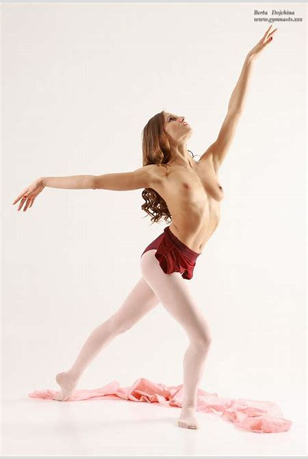 Naked ballet photos and video