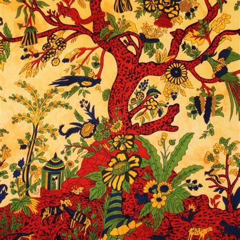 tenture murale arbre de vie tenture indienne quot arbre de vie quot ocre tentures murales artisanales sur artiglobe