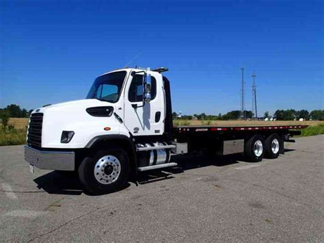 Tow Light Bar by Freightliner 114sd 2014 Heavy Duty Trucks
