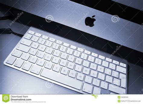 Apple Help Desk Appointment by New Computer Editorial Stock Photo Image 34283333