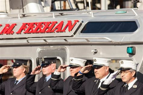 Nyc Fireboat Firefighter by Fdny Firefighters Unveil New Fireboat Honoring 9 11