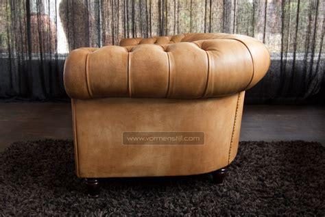 Insanely Beautiful Italian Chesterfield Sofa, Poltrona Frau