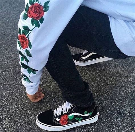 Vans roses tumblr cute black white | outfits | Pinterest | Vans Black and Clothes