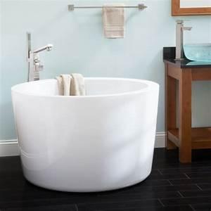 Runde Badewanne Klein : japanese soaking tubs for small bathrooms bathtub designs ~ Frokenaadalensverden.com Haus und Dekorationen