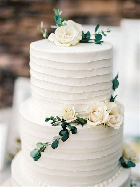 Cake Flowers Simple Organic White And Green Summer