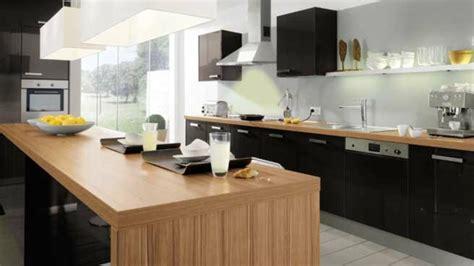 cuisine noir et bois la cuisine bois et noir c 39 est le chic sobre raffiné