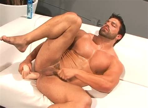 Bodybuilder Vince Ferelli Fucks Himself With Giant Sex Toys