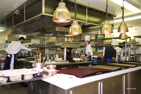 emploi chef de cuisine bordeaux le superbe en journée magique le soir