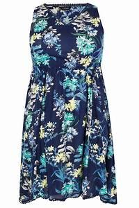 Robe sans manche bleue et multi à imprimé tropical avec ...