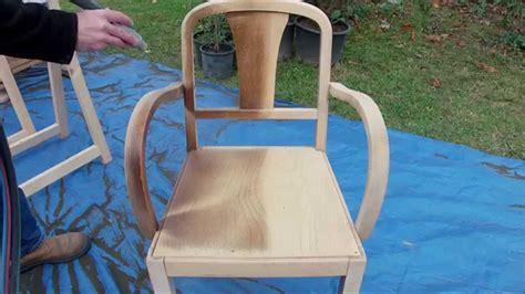 mesure d une chaise décapage d une chaise vernis