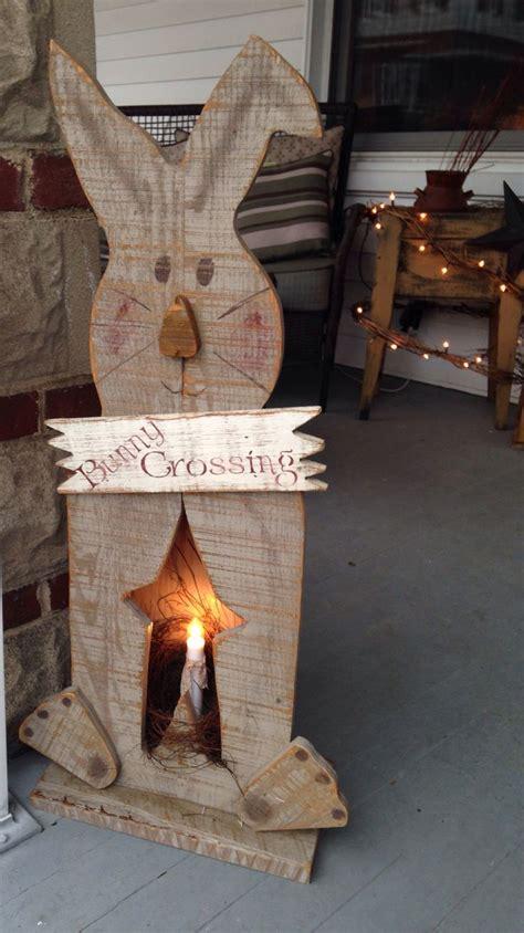 Wooden Primitive Easter Decor by 1000 Ideas About Wooden Snowmen On Snowman