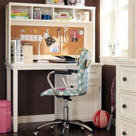 Bedroom Teenage Bedroom Design Using White Corner Study