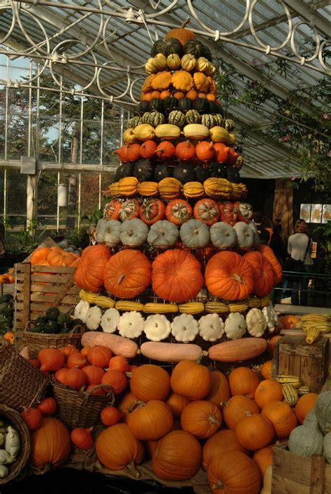 pumpkin tower  kew gardens autumn festival london