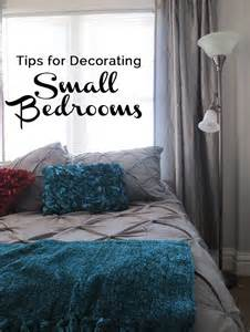Small Couples Bedroom Decorating Ideas